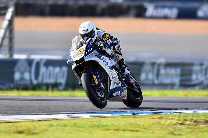 MotoWish BRIC SuperBike 2016 Round3 SB1 N0.24 1 - ช็อตเด็ดมันส์ๆ Yamaha แซนวิส Honda กดแชมป์สนามที่ 3 BRIC SuperBike 1000cc. SB1 - ไฮไลท์ย้อนหลังการแข่งขัน BRIC SuperBike Championship ในรุ่น 1000 cc. SB1 สนามที่ 3 เป็นการขับเคี่ยวเสียบแซงกันอย่างสุดมันส์ให้ทีมงานและคนดูได้ลุ้นระทึกกันอีกครั้ง ระหว่าง อภิวัฒน์ วงศ์ธนานนท์ จาก ยามาฮ่า ไรเดอร์ส คลับ เรซซิ่ง ทีม แชมป์เก่าสนามที่แล้ว กับคู่กัดคู่เสียบอย่าง บอล สุหทัย แช่มทรัพย์ จาก เพาเวอร์ สปีด บิ๊กวิง เรซซิ่ง ทีม