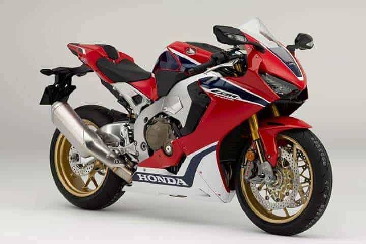 Honda ปล่อยหมัดเด็ด New 2017 CBR1000RR SP พร้อมรุ่นพิเศษ SP2 HRC (Intermot 2016) | MOTOWISH 107