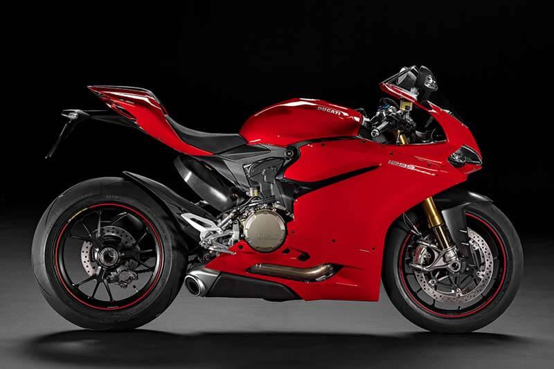 Ducati Monster, Multistrada, Panigale ยกทัพปรับใหม่รับปี 2017 | MOTOWISH 91