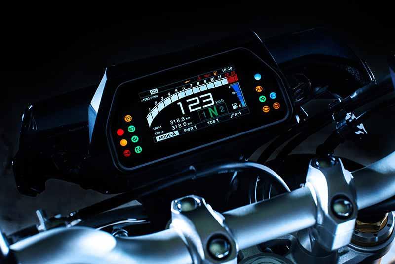 Yamaha MT-10 SP 2017 ยกระดับไปอีกขั้น เสริมออฟชั่นจาก R1M (Intermot 2016)   MOTOWISH 25