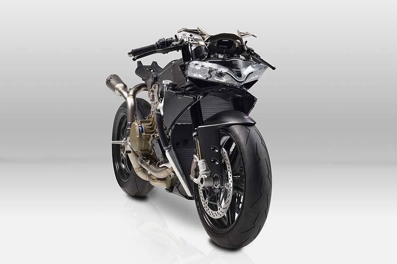 Ducati 1299 SUPERLEGGERA 1 - เปิดตัว!! สุดยอดซุปเปอร์ไบค์ค่ายแดง ทั้งโหด ทั้งหรู Ducati 1299 Superleggera (EICMA 2016) - สุดยอดซุปเปอร์ไบค์ที่หลายคนรอคอย ในที่สุดก็ได้เปิดตัวอย่างเป็นทางการแล้ว Ducati 1299 Superleggera ถือเป็นซุปเปอร์ไบค์แห่งยุดที่ใช้เทคโนโนยีการผลิตด้วยคาร์บอนไฟเบอร์เป็นส่วนประกอบหลัก ผสมผสานกับเทคโนโลยีเหนือชั้นทำให้เป็นรถในฝันที่หลายคนอยากคว้ามันมาครอง