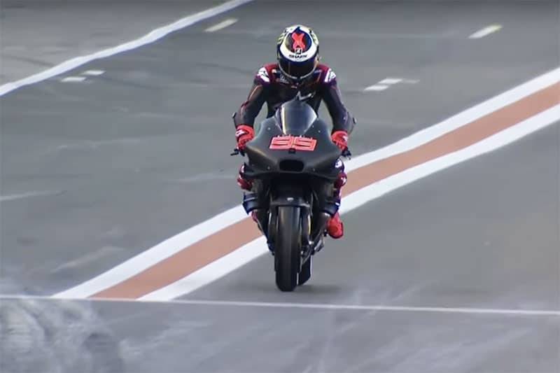 lorenzo-first-test-ducati-motogp