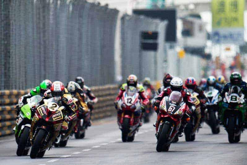 MotoWish 2016 Macau GP Race - ชมย้อนหลังรายการ มาเก๊า กรังด์ปรีซ์ 2016 ปิดเมืองแข่งรถแบบ Full HD - ชมย้อนหลังการแข่งขันบิ๊กไบค์ในรายการ มาเก๊า กรังด์ปรีซ์ 2016 ซึ่งรายการนี้ถือได้ว่า เป็นอีกรายการแบบปิดเมืองแข่งที่มีประวัติมาอย่างยาวนาน และชื่อเสียงโด่งดังที่สุดในเอเซีย โดยการแข่งขันนั้นเริ่มกันมาตั้งแต่ปี ค.ศ.1954 จวบจนปัจจุบันกว่า 63 ปีแล้ว