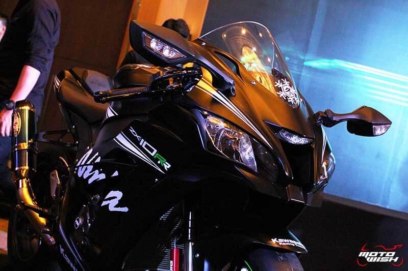 MotoWish 2017 Kawasaki Ninja ZX10RR KRT 08 - รหัสพันธุกรรมจากสนามแข่ง Kawasaki Ninja ZX-10RR เปิดตัว พร้อมราคาขายในไทย - คาวาซากิ ประเทศไทย ได้ฤกษ์เปิดตัว Kawasaki Ninja ZX-10RR พร้อมจำหน่ายในประเทศไทยด้วยจำนวนจำกัด เพียง 30 เท่านั้น Kawasaki Ninja ZX-10RR รถสแตนดาร์ดที่ออกแบบมาเพื่อคว้าชัยชนะในการแข่งขันรายการระดับโลก Ninja ZX-10RR ปลดเปลื้องอุปกรณ์