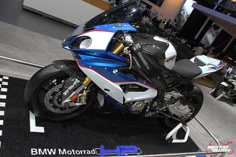 motowish-bmw-s1000rr-hp-line-carbon-race-parts-motor-expo-2016-13