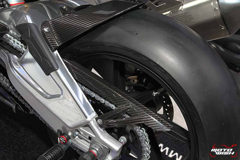 motowish-bmw-s1000rr-hp-line-carbon-race-parts-motor-expo-2016-2