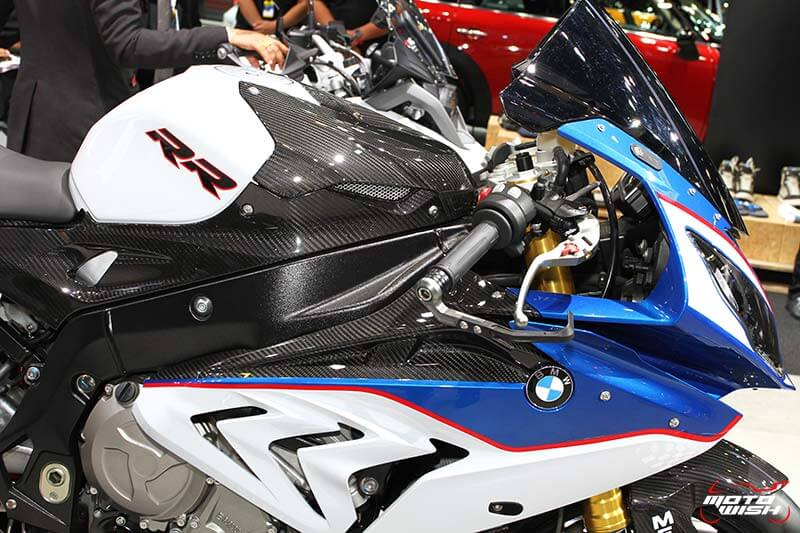 motowish-bmw-s1000rr-hp-line-carbon-race-parts-motor-expo-2016-8