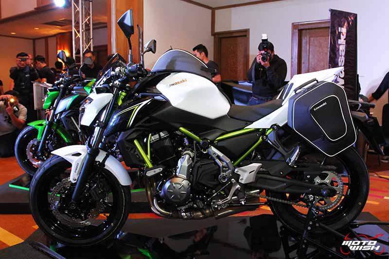 MotoWish Kawasaki Z650 2017 6 - Kawasaki จัดหนักขนทัพรถใหม่ล่าสุดทุกโมเดล เอาใจคอบิ๊กไบค์ในงาน Motor Expo 2016 - บริษัท คาวาซากิ มอเตอร์ เอ็นเตอร์ไพรส์ (ประเทศไทย) จำกัด ผู้ผลิตรถจักรยานยนต์บิ๊กไบค์ชั้นนำของโลก เปิดมอบประสบการณ์สุดพิเศษให้แก่นักขับขี่และผู้สนใจรถจักรยานยนต์บิ๊กไบค์ ด้วยการจัดแสดงโมเดลใหม่ล่าสุดของปี 2017