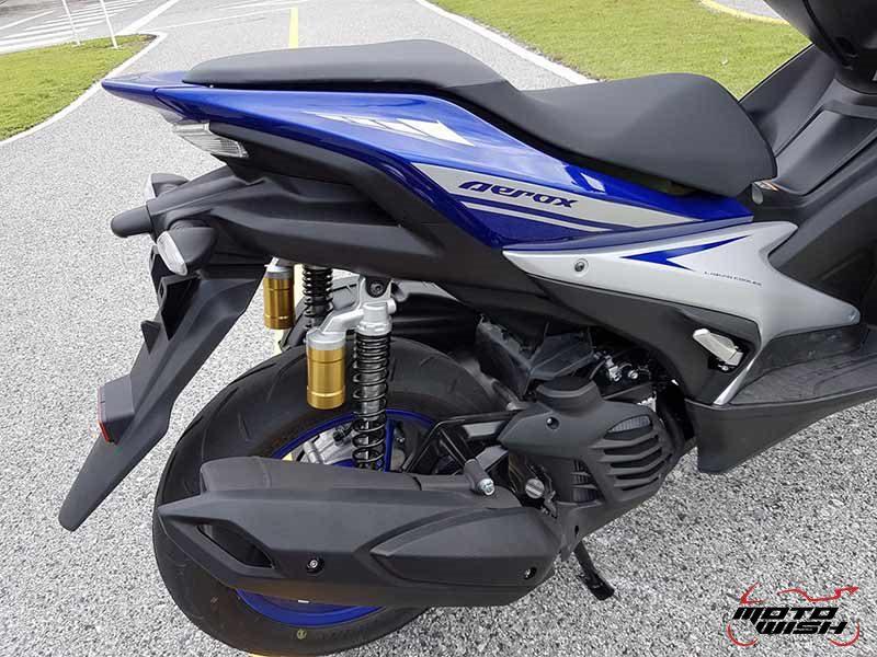 Yamaha Aerox 155 18 - Yamaha Aerox 155 cc. สปอร์ตออโตเมติกเต็มพิกัดล้ำเทคโนโลยี - บจ.ไทยยามาฮ่ามอเตอร์ เปิดตัวรถรุ่นใหม่ Yamaha Aerox 155 cc. ยามาฮ่า แอร็อกซ์ 155 ซีซี สปอร์ตออโตเมติกเต็มพิกัดจัดเต็มด้วยเทคโนโลยี ที่ตอบสนองความต้องการของผู้ที่ชื่นชอบรถ Sport Performance AT