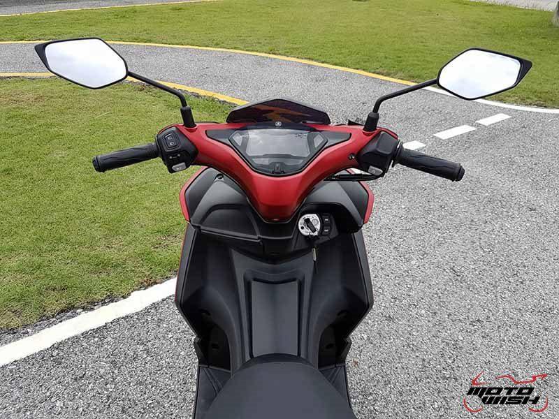 Yamaha Aerox 155 6 - Yamaha Aerox 155 cc. สปอร์ตออโตเมติกเต็มพิกัดล้ำเทคโนโลยี - บจ.ไทยยามาฮ่ามอเตอร์ เปิดตัวรถรุ่นใหม่ Yamaha Aerox 155 cc. ยามาฮ่า แอร็อกซ์ 155 ซีซี สปอร์ตออโตเมติกเต็มพิกัดจัดเต็มด้วยเทคโนโลยี ที่ตอบสนองความต้องการของผู้ที่ชื่นชอบรถ Sport Performance AT