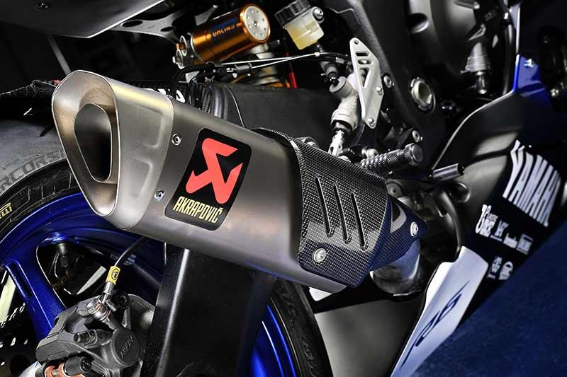 Yamaha YZF R6 2017 world supersport 1 - Yamaha Factory ส่งม้าศึกสุดจี๊ด YZF-R6 ลงชิงชัย World Supersport 2017 - หลังจาก Yamaha เปิดตัว YZF-R6 2017 สู่สายตาชาวโลกไปได้ไม่นาน และแล้วก็ถึงเวลาที่ Yamaha Factory Racing ส่งซุปเปอร์สปอร์ตตัวกลั่นลั่นกลองรบในเวที FIM World Supersport Championship (คลาส 600 ซีซี) ในฤดูกาล 2017