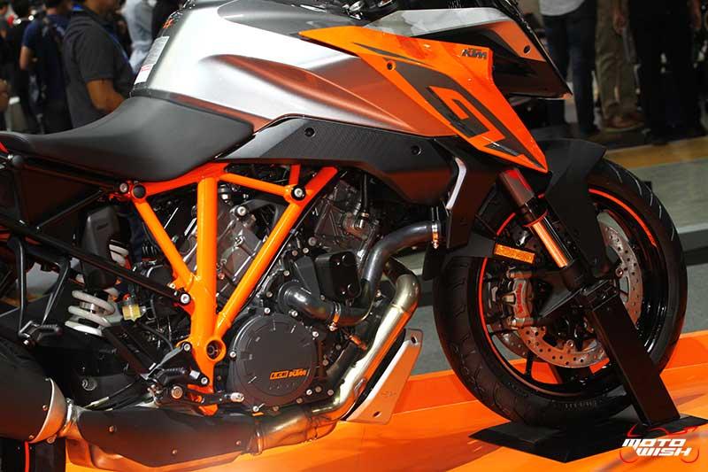 motowish-ktm-1290-super-duke-gt-motor-expo-2016-3