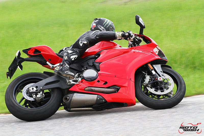 Review : Ducati 959 Panigale หล่อ หรู แบบมีเอกลักษณ์   MOTOWISH 79