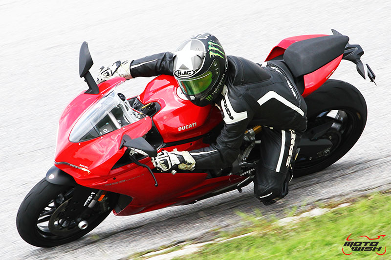Review : Ducati 959 Panigale หล่อ หรู แบบมีเอกลักษณ์   MOTOWISH 90