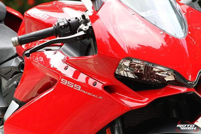 Review : Ducati 959 Panigale หล่อ หรู แบบมีเอกลักษณ์ | MOTOWISH 102