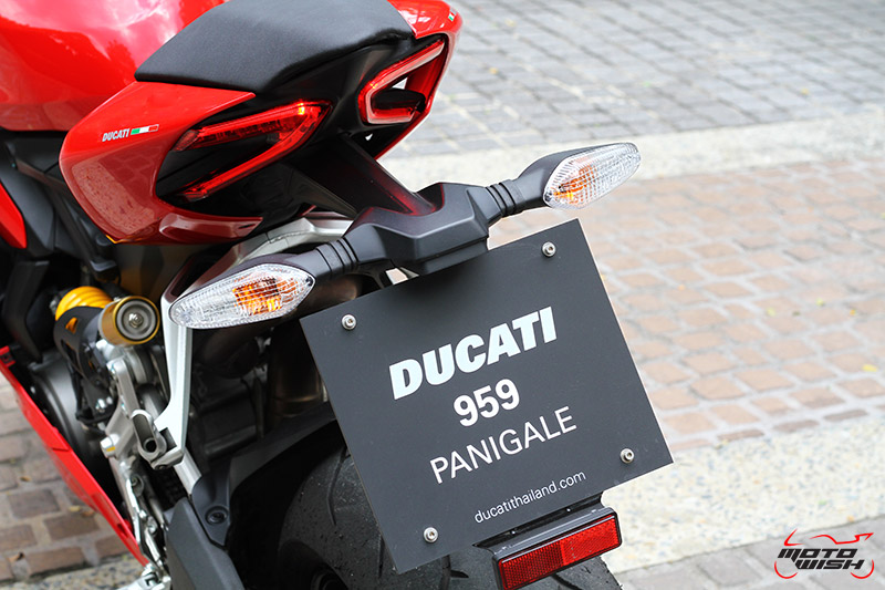 Review : Ducati 959 Panigale หล่อ หรู แบบมีเอกลักษณ์   MOTOWISH 138