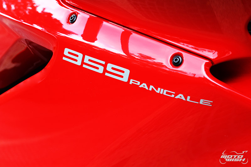 Review : Ducati 959 Panigale หล่อ หรู แบบมีเอกลักษณ์   MOTOWISH 142