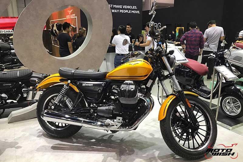 Motowish Moto Expo 2016Moto Guzzi 15 - Moto Guzzi ปล่อยของดี รถคัสตอม V9 Bobber และ V9 Roamer สุดแนว (Motor Expo 2016) - โมโต กุซซี่ (Moto Guzzi) เป็นอีกแบรนด์หนึ่งที่ เวสปิอาริโอ นำเข้ามาจำหน่ายในประเทศไทยอย่างเป็นทางการ สำหรับแบรนด์ Moto Guzzi มีตราสัญลักษณ์เป็นรูปนกอินทรีกางปีกแดง และมีประวัติศาสตร์มายาวนานมาตั้งแต่ ค.ศ. 1921 นั่นทำให้แบรนด์นี้มีอายุกว่า 95 ปี