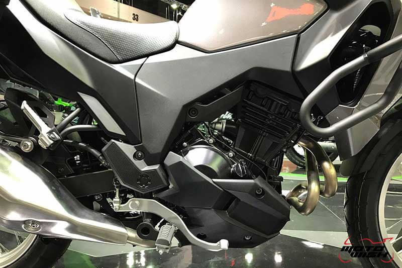 Motowish Moto Expo 2016Versys X 300 6 - เจาะรายละเอียด Kawasaki Versys-X 300 ทัวร์ริ่งน้องเล็ก สเป็คไม่น้อยหน้าพี่ใหญ่ (Motor Expo 2016) - เปิดตัวอย่างเป็นทางการในงาน Motor Expo 2016 กับรถสไตส์ทัวร์ริ่งที่พาโลดแล่น และพร้อมลุยไปกับทุกสภาพถนน อย่าง Versys-X 300 ที่มีดีกรีไม่แพ้พี่ใหญ่ในตระกูล Versys รุ่นอื่นๆ ตัวรถควบคุมได้ง่ายทั้งพละกำลัง และน้ำหนัก ให้ความพร้อมในการผจญภัยได้ทุกเมื่อ