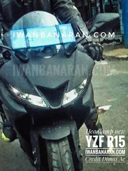 Motowish Yamaha R15 - ส่องว่าที่ Yamaha R15 2017 สปอร์ตไบค์น้องเล็ก มีให้เห็นทั้งภาพแอบถ่าย และภาพเรนเดอร์ - ในที่สุดก็มีภาพหลุดออกมาให้เห็นกัน โดยเริ่มจากภาพแอบถ่ายขณะวิ่งทดสอบบนถนน จากนั้นก็มีภาพเรนเดอร์ที่ทำออกมาให้เห็นรายละเอียดแบบชัดเจน
