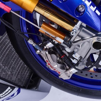 motowish-Yamaha-YZF-R1-World-Superbike-Race-Bike-13