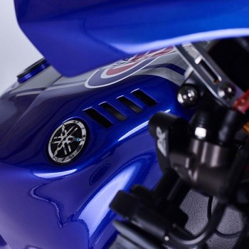 motowish-Yamaha-YZF-R1-World-Superbike-Race-Bike-19