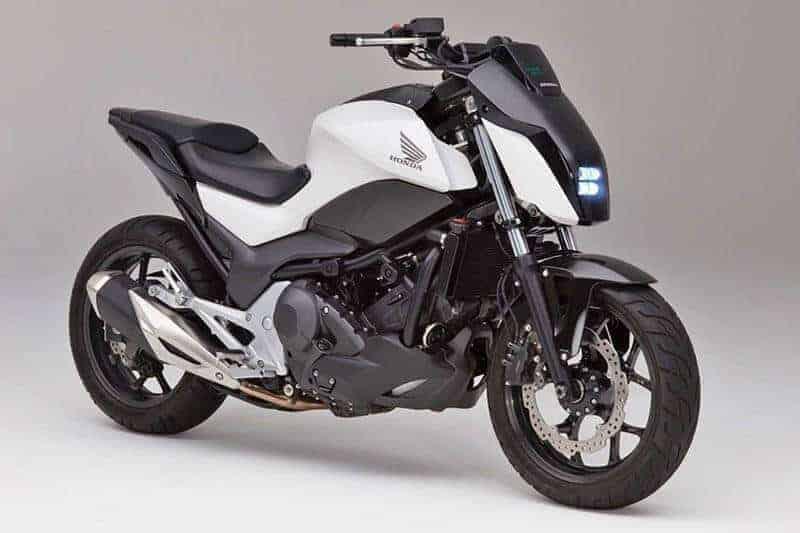 จะเป็นอย่างไรเมื่อมอเตอร์ไซค์เคลื่อนที่เองได้แบบไร้คนขี่ Honda Riding Assist - Self Balance | MOTOWISH 16