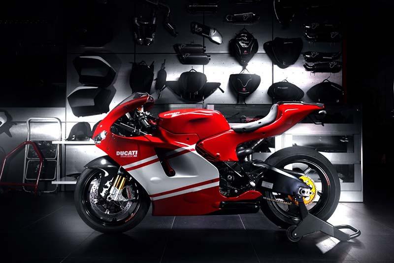 บิ๊กบอส Ducati ยืนยัน ซุปเปอร์ไบค์ยุคต่อไปใช้เครื่อง V4 ที่ใครๆก็ซื้อได้   MOTOWISH 145