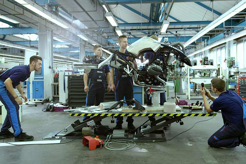 MW-BMW-Motorrad-Lego-Hover-Ride-Design-Concept-3