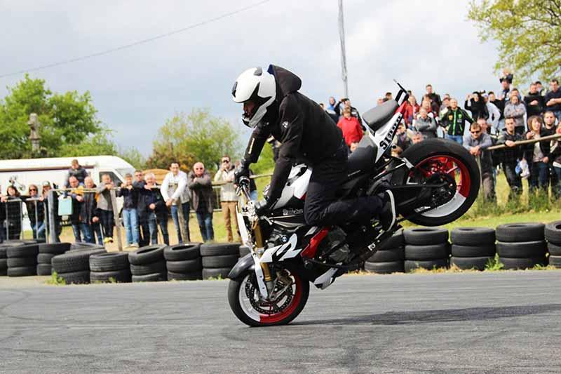 MotoWish-Big-Jim-Stunt-BMW-Motorrad-Day-2017