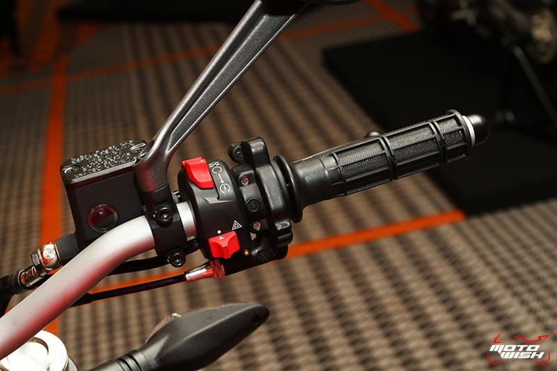 เจาะทุกช็อตกับรถใหม่ Ducati Monster 797 ราคาสะเทือนวงการ 399,000 บาท   MOTOWISH 9
