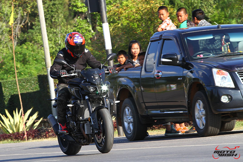 รีวิว Yamaha MT-10 Super Naked Transformers แรงส์ หลุด ทะลุจอ | MOTOWISH 4
