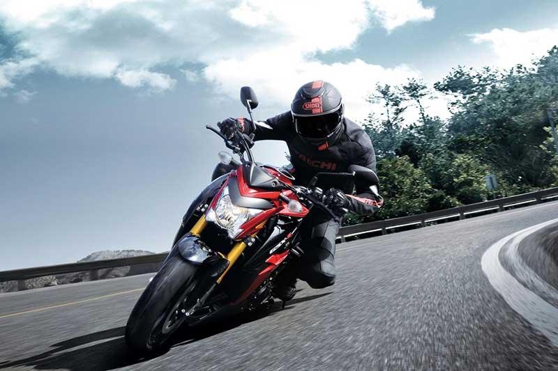 อัพเกรดกันหน่อย!! Suzuki GSX-S1000 2017 เพิ่มแรงม้า มาพร้อมสลิปเปอร์ครัชท์ | MOTOWISH 146