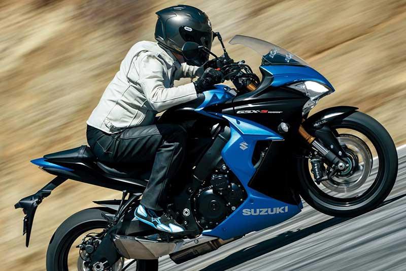 อัพเกรดกันหน่อย!! Suzuki GSX-S1000 2017 เพิ่มแรงม้า มาพร้อมสลิปเปอร์ครัชท์ | MOTOWISH 147