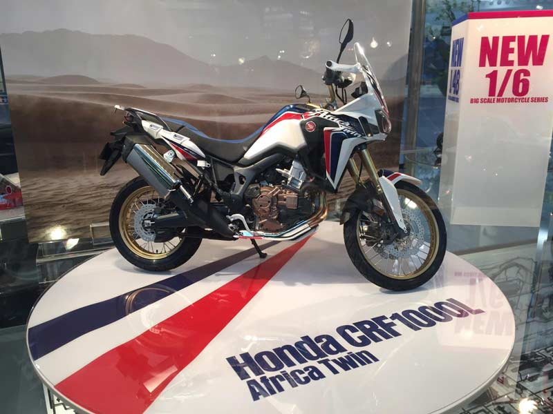 Tamiya-model-kit-Africa-Twin-1