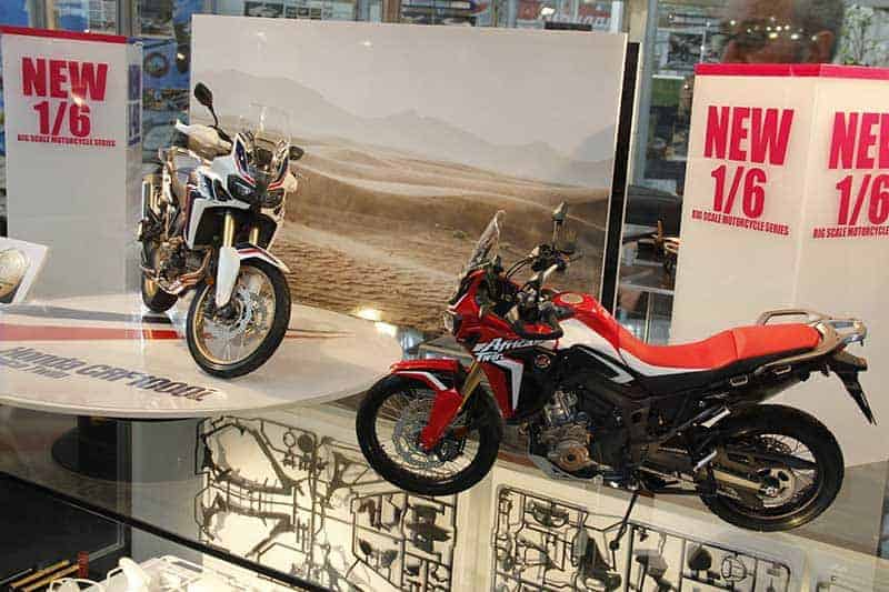 Tamiya-model-kit-Africa-Twin-3