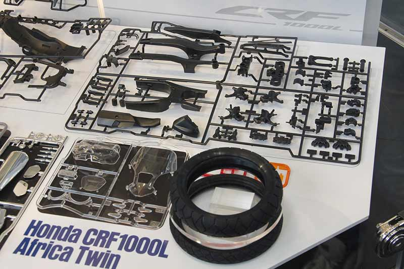 Tamiya-model-kit-Africa-Twin-4