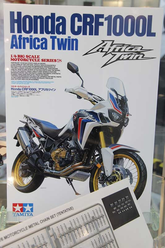 Tamiya-model-kit-Africa-Twin-7