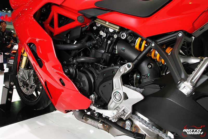 MotoWish-2017-Ducati-SuperSport-S-Price-4