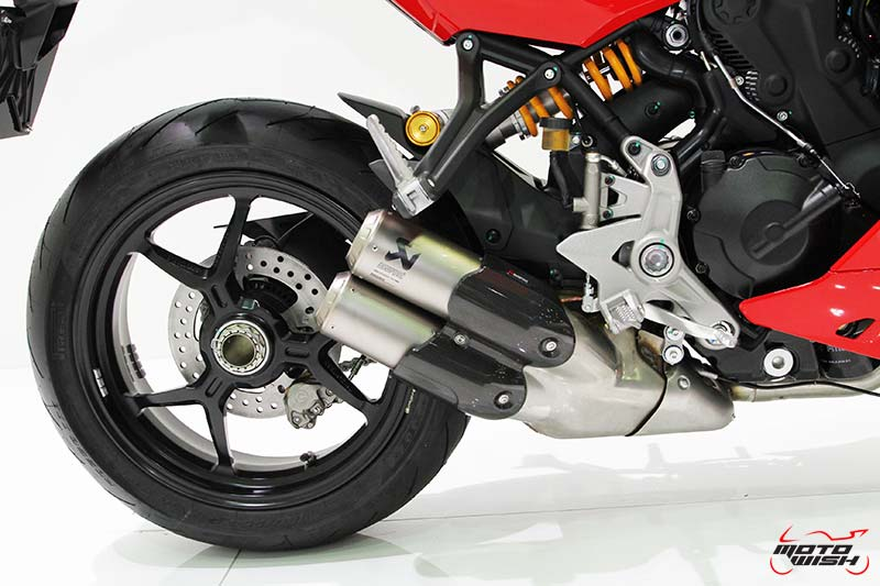 MotoWish-2017-Ducati-SuperSport-S-Price-9