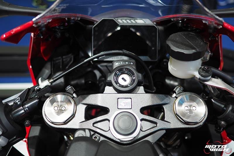 Honda เปิดราคา CBR1000RR 6.43 แสน & CBR1000RR SP 7.79 แสน จอง 30 คันแรก ร่วมทดสอบ RC213V-S ฟรี (Motor Show 2017) | MOTOWISH 149