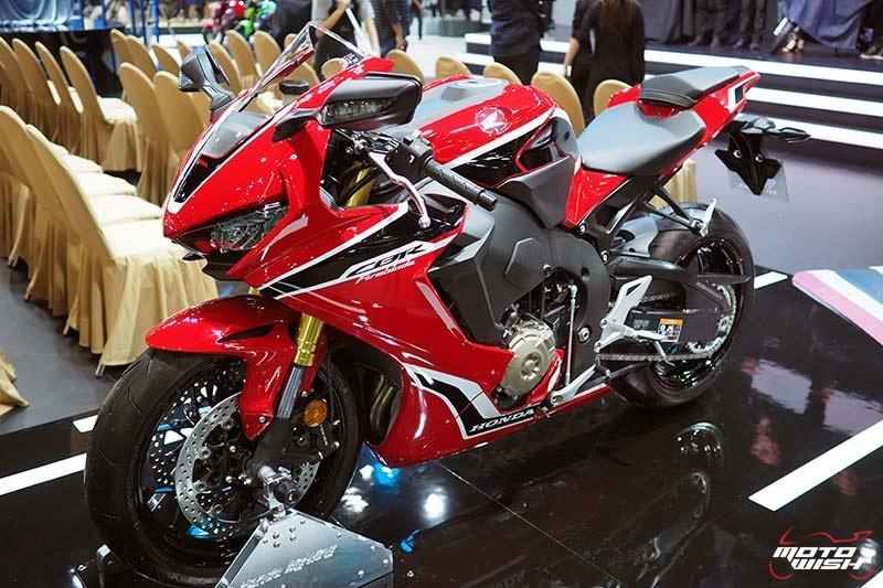 Honda เปิดราคา CBR1000RR 6.43 แสน & CBR1000RR SP 7.79 แสน จอง 30 คันแรก ร่วมทดสอบ RC213V-S ฟรี (Motor Show 2017) | MOTOWISH 153
