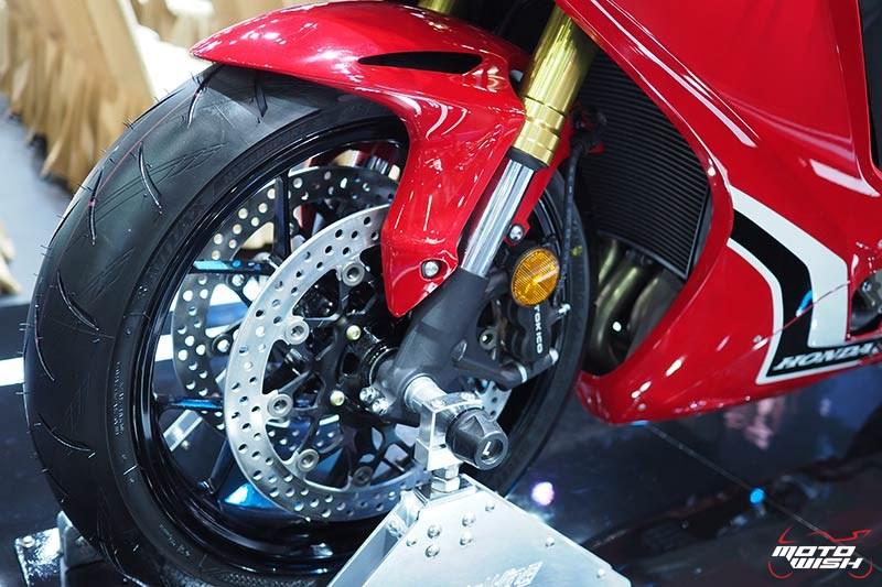 Honda เปิดราคา CBR1000RR 6.43 แสน & CBR1000RR SP 7.79 แสน จอง 30 คันแรก ร่วมทดสอบ RC213V-S ฟรี (Motor Show 2017) | MOTOWISH 155