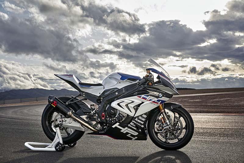 สุดตะลึง หล่อ แรง โหด!! เปิดโฉมหน้า BMW HP4 Race พร้อมรายละเอียด | MOTOWISH 4