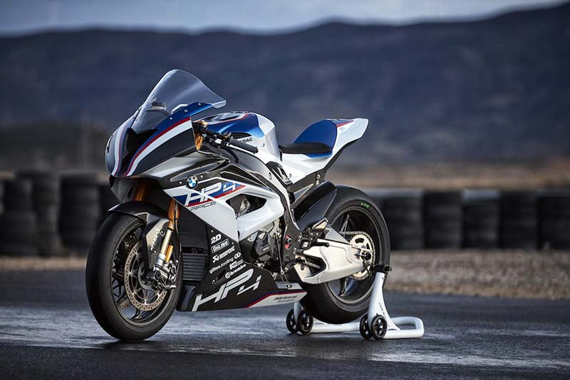 BMW-HP4-RACE-2