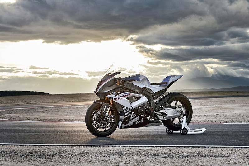 สุดตะลึง หล่อ แรง โหด!! เปิดโฉมหน้า BMW HP4 Race พร้อมรายละเอียด | MOTOWISH 8