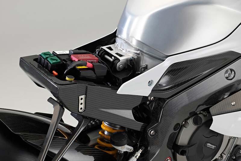 สุดตะลึง หล่อ แรง โหด!! เปิดโฉมหน้า BMW HP4 Race พร้อมรายละเอียด | MOTOWISH 15