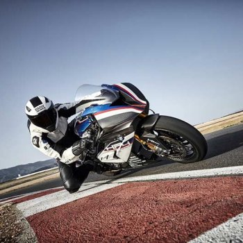 BMW-HP4-RACE-ride-7