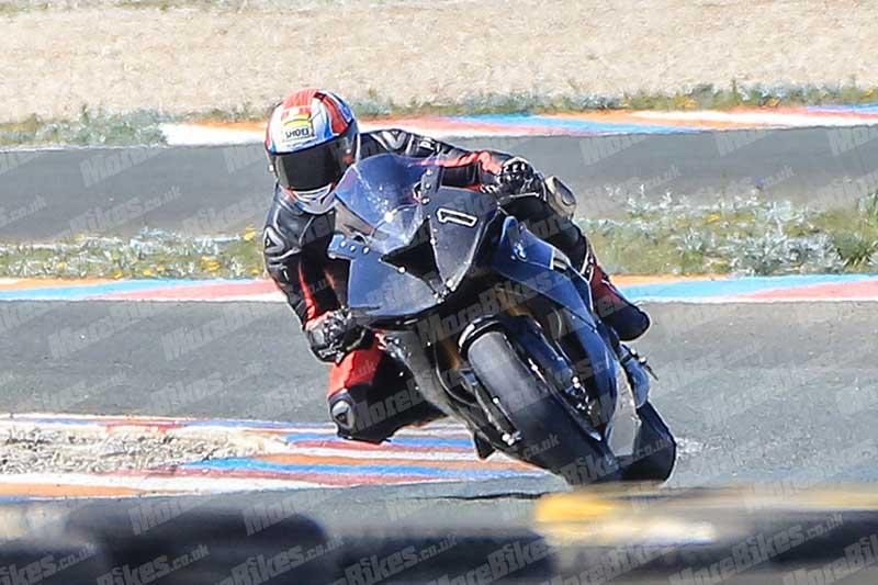 BMW-HP4-Race-3