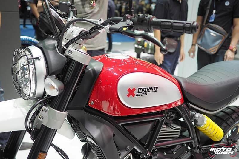 Ducati เปิดตัว Scrambler ใหม่ 2 รุ่น Cafe Racer ได้ใจสายหล่อ & Desert Sled เอาใจสายลุย (Motor Show 2017) | MOTOWISH 111